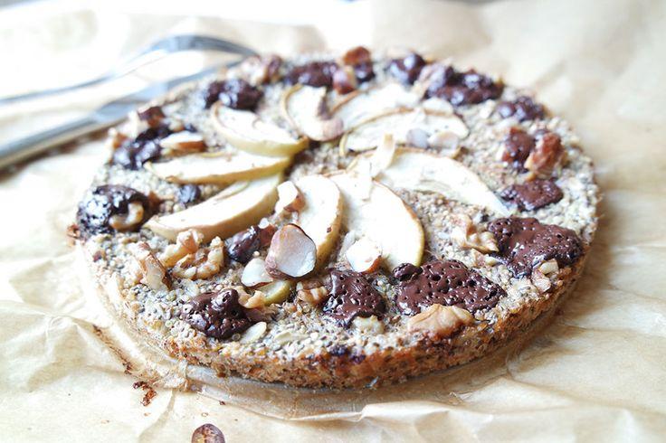 Gesunde Clean Eating Rezepte: Haferflocken Quinoa Chia Samen Pizza / Kuchen zum Frühstück