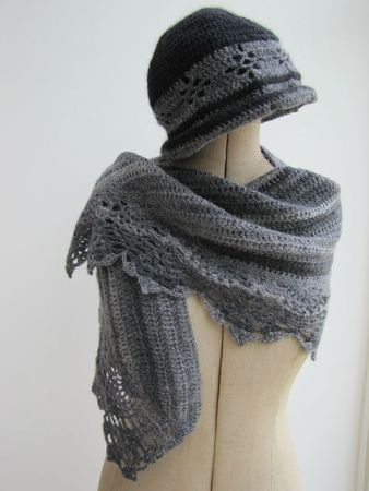 Knitting Pattern Hat Scarf Combo : 1000+ images about hat,scarves,etc.sets on Pinterest Drops design, Berets a...