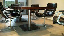 vergadertafel + 6 lederen stoelen merk Artifort design Harcourt Geoffrey