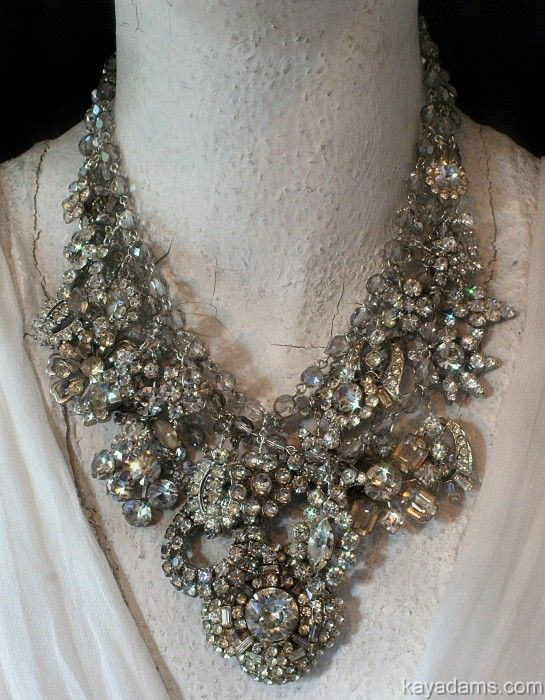 Amazing!!! Kay Adams necklaceBling, Brooches Necklaces, Adam White, Adam Necklaces, Amazing Necklaces, White Sparkle, Accessories, Kay Adam, Rhinestones Brooches