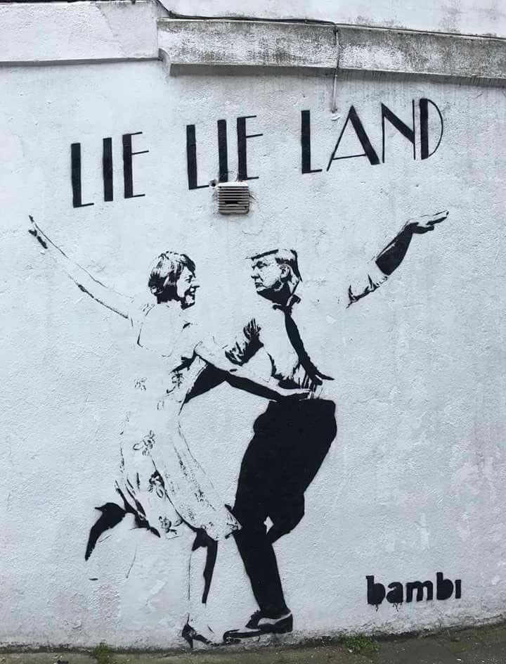 Street Art - Lie Lie Land