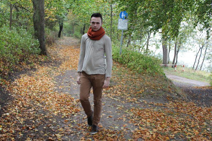 Fallen Leaves Ich liebe den Herbst und die bunt gefärbten Blätter. Inspiriert von diesen Blättern ist dieses Outfit entstanden. Weitere Infos zum Outfit auf meinem Blog.