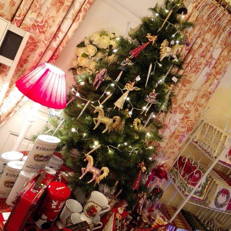 Guten Morgen! Bei Euch ist hoffentlich alles noch an seinem Platz?! Hier in Potsdam sieht es scheinbar ganz gut aus... #WisteriasRoom #potsdam #berlin #shoplocal #british #light #living #accessory #decoration #interiordesign #candle #gifts #instahome #fashion #towel #pillow #design #creative #shabbyhomes #vintagestyle