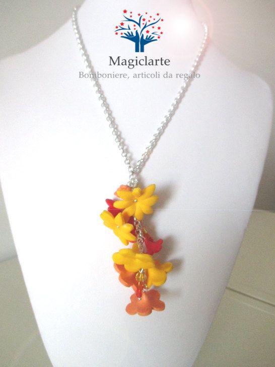Collana con fiori di Magicla su Etsy
