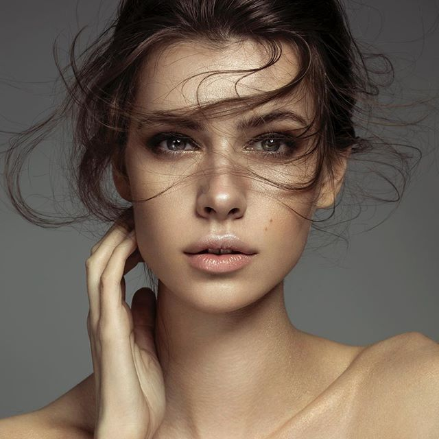 "(...Lou, I need a caption, who does good song lyrics? - ""Pitbull!"" )  Recent campaign for London College of Style.  Photo: @tina_eisen using @profotousa @profotoglobal D1s @ @canonuk 5D Mark IV  Model: @sarabsemic of @milkmodelmanagement   MUA: @evanhuangofficial .  .  .  #beauty #beautyshoot #beautymakeup #beautyportrait #wispyhair #wispybangs #dewyskin #londonphotographer #londoncollegeofstyle #brunettemodel #editorialbeauty #beautycampaign #profoto"