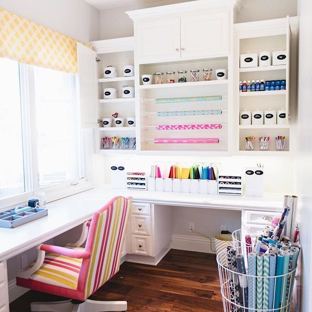 No detail was overlooked in this craft space! From the color-coordinated paper to the beautiful canisters and the wraping paper as decor, we simply can't pick our favorite part! Our #neatSD girl @katiebk nailed it.⠀  .⠀  .⠀  .⠀  #theNEATlife #simplify #livesimply #organized #declutter #craftroom #storage #homeideas #craftorganization #artsandcrafts #artsupplies #designinspo #craftsupplies #interiors
