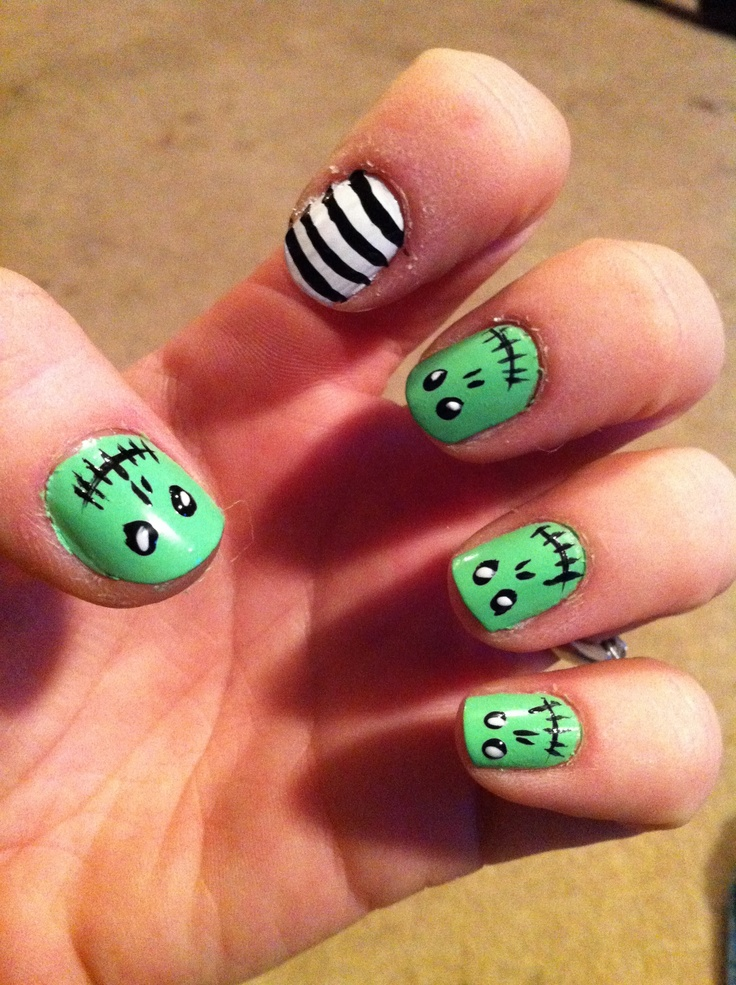 Zombie Halloween nails