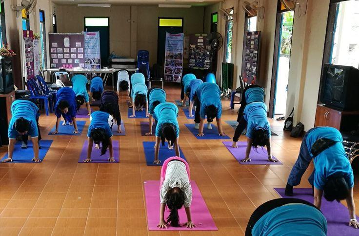 Meditation and yoga for women at Choeng Doi Women Empowerment Center in Doisaket. #doisaket #chiangmai #meditation #yoga
