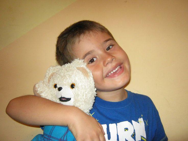Povestea lui Răzvan Andrei și a ursulețului său Honey