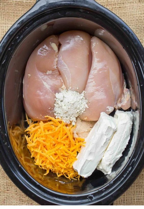 This CHICKEN | SLOW COOKER CHICKEN BACON RANCH SANDWICHES is Tasty and Yumm!!! J…