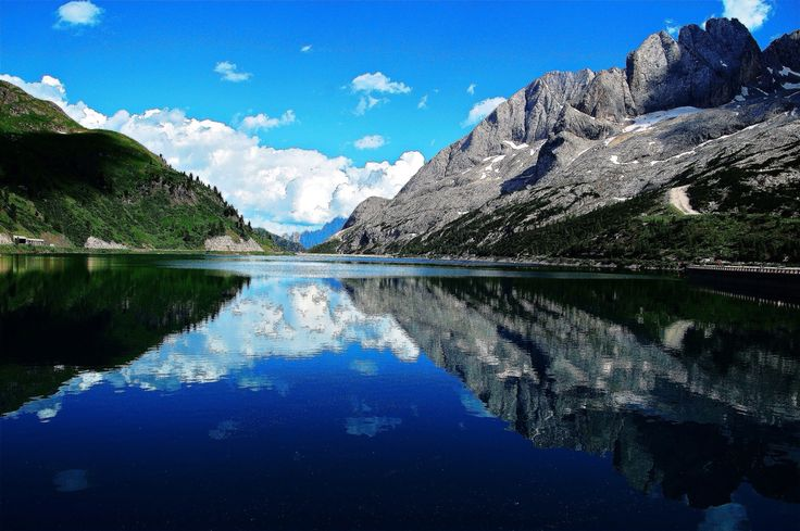 lago di fedaia belluno dolomiti ve o italia foto