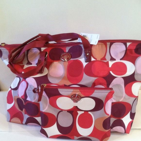 Ashley scarf print weekender Price: $165 Size: GIACONIS-boutique.com