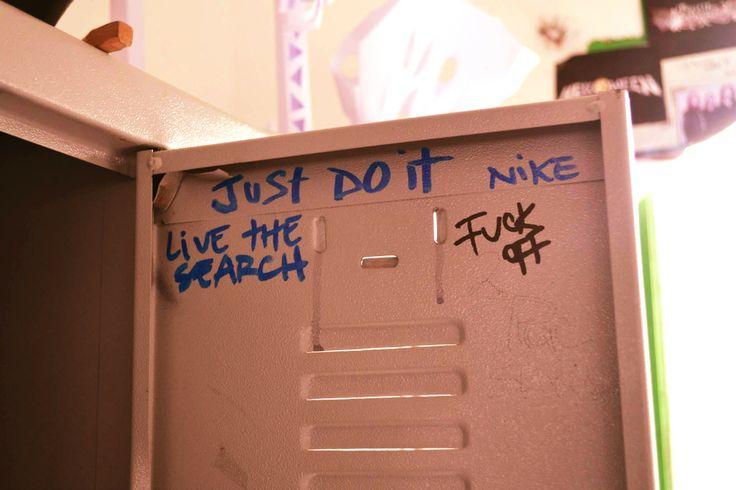 mi casillero, mi mundo :) #justdoit #livethesearch #nike #ripcurl #locker #casillero #school #colegio