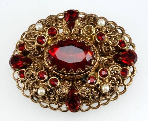 10b5ff007ec Learn How Much Your Vintage Costume Jewelry is Worth | !