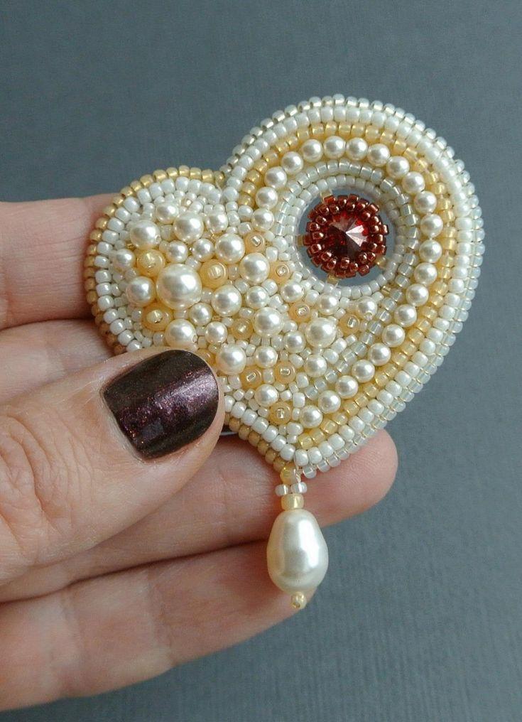 Ванильное сердце с капелькой страсти | biser.info - всё о бисере и бисерном творчестве
