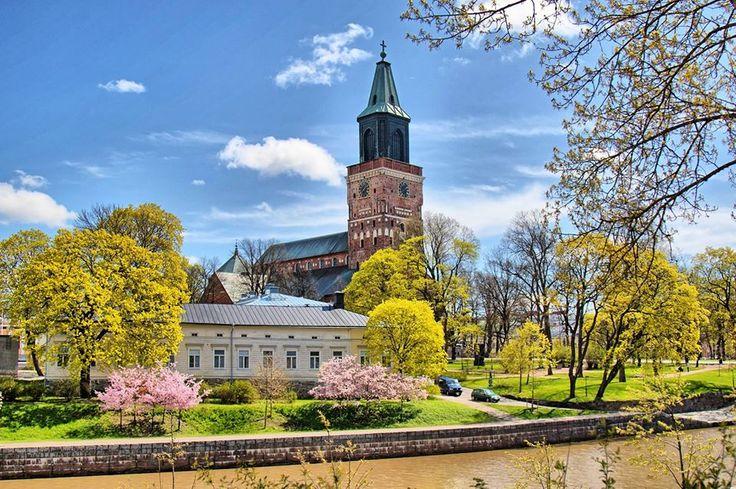 Suomi on turvallisin matkailijalle (ja hieno kuva artikkelissa) http://www.rantapallo.fi/matkailu/suomi-nappasi-ykkossijan-kansainvalisessa-vertailussa-nama-ovat-turvallisimmat-matkailumaat/ … #kissmyturku #visitfinland #canonkevät pic.twitter.com/dDpkNM8AOs