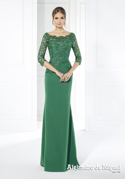 Colección trajes a medida 2016 Elegantes diseños a tu medida, en colores empolvados y en sus tonos más atrevidos con detalles elaborados a mano y encajes.