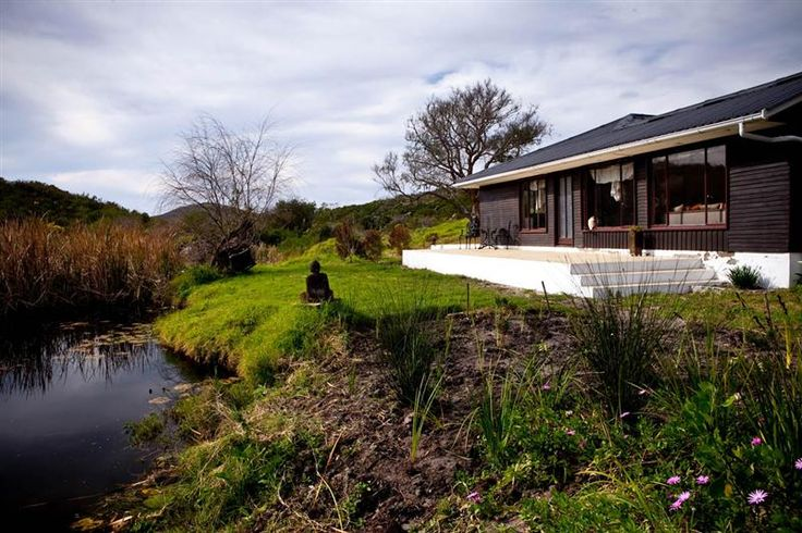 Fynbos Retreat accommodation near Stanford, Western Cape. Tucked away in fynbos-clad hills between sleepy Stanford and Gansbaai, is the 2500ha Grootbos Nature Reserve.