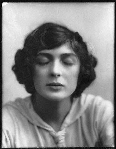 © Alexander Bassano - Julia James, 1912