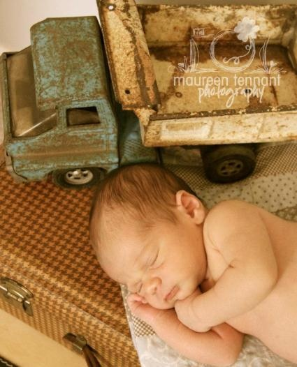 Newborn photos vintage props provided by finch vintage rentals in st louis mo photo