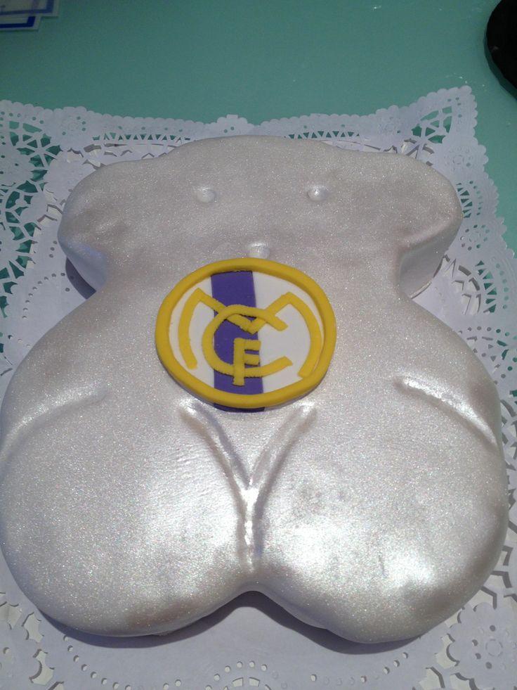 Tous bear cake
