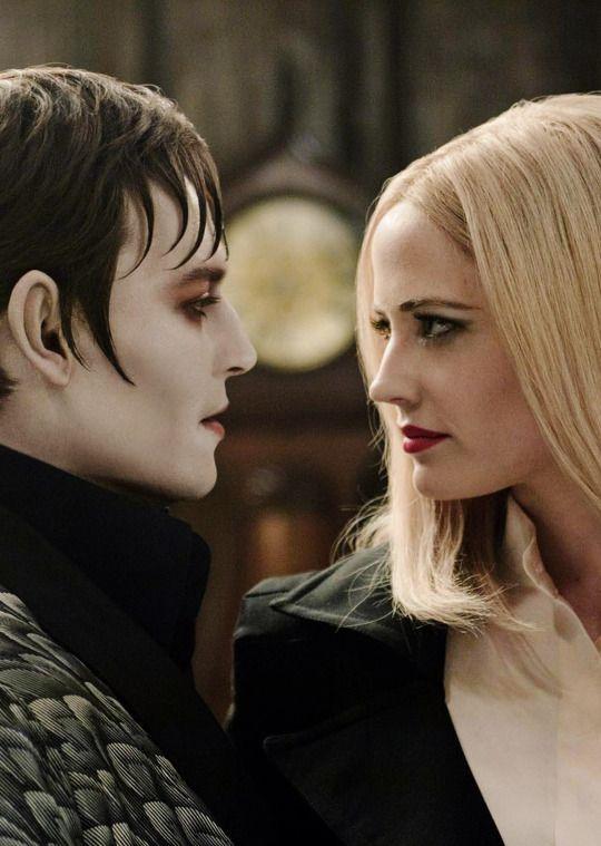 """Johnny Depp y Eva Green en """"Sombras Tenebrosas"""" (Dark Shadows), 2012"""