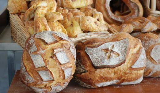 Παραδοσιακό ψωμί στο σπίτι και μυστικά για το ψωμί από την Ντίνα Νικολάου