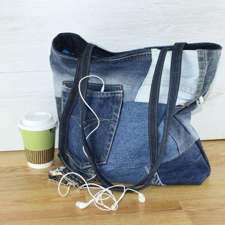 Handgemaakte spijker tas van hergebruikte spijkerbroeken.