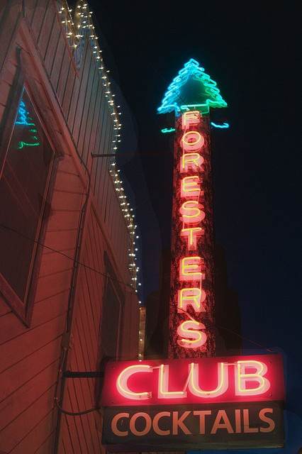 Foresters Club - a wonderful old neon sign at the Foresters Club, a McCall, Idaho landmark since 1948. (by A. Davey)