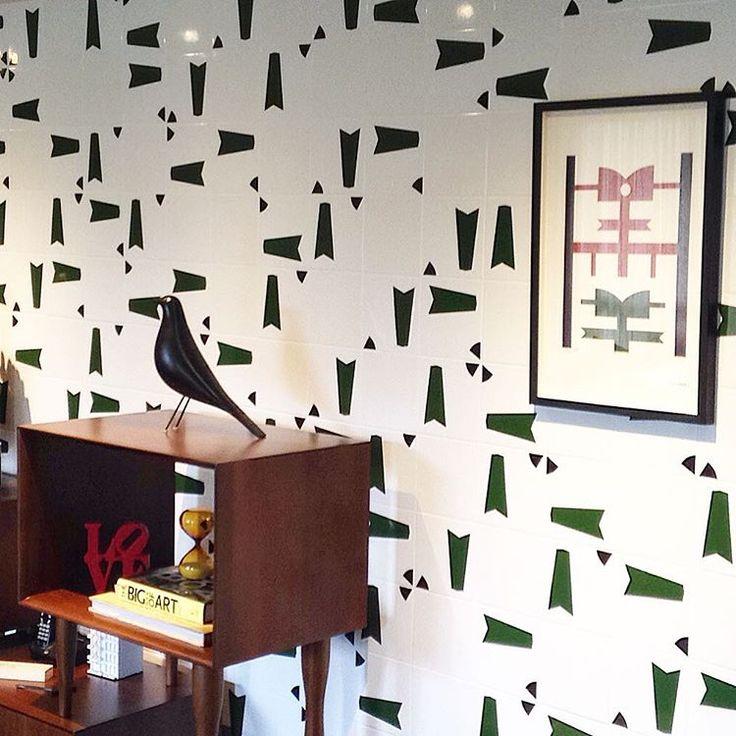 Painel Foguete   🚀    VIVA A SUA PAIXÃO!!! #art #arte #azulejo #azulejos #azulejaria #azulejosdecorados #arquitetura #jhenrique #jhenriqueazulejaria #homestyle #tile #tiles #revestimento #revestimentos #design #decoração #designbrasileiro #cerâmica #painel #paineldeazulejos #wall #Brasília #interior #instazulejo #nostalgia #memoriaafetiva #vivaasuapaixão