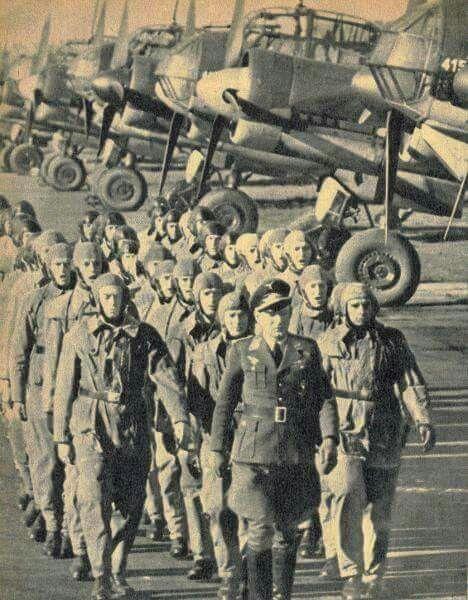 LUFTWAFFE's crews