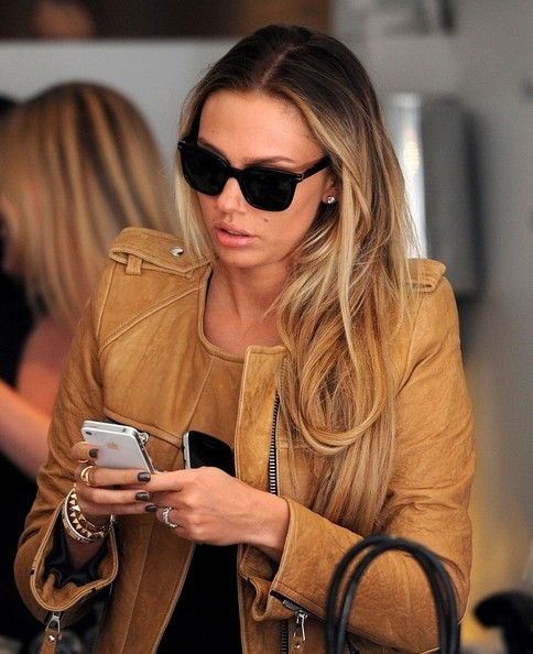 Petra Ecclestone Photo - Petra and Tamara Ecclestone Go Shopping