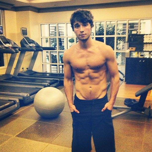 "Wes Stromberg ""Gurls look at his body AHHH Wes works out!"" lol parody ah? ah? No? ok then...."