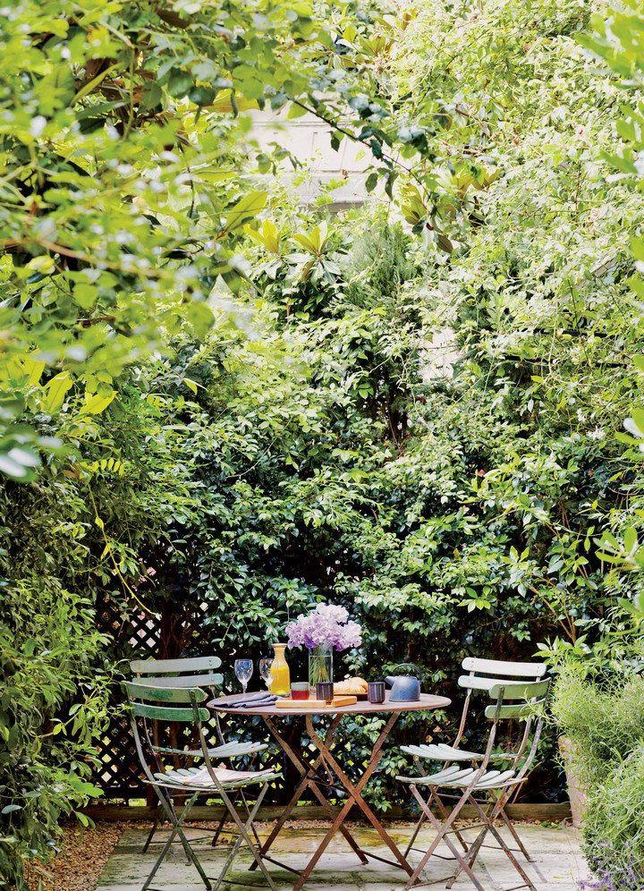 Beautiful Home Gardens Ideas For This Spring | www.homedecorideas.eu #bocadolobo #luxuryfurniture #interiordesign #inspirations #homedecorideas #designfurniture #luxuryhomes #luxuryinteriors #designtrends #designideas #designinspirations #outdoordesigns #homegardenideas #springinspirations