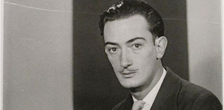 Fotografie scattate negli anni in cui viveva a Parigi ad amici, amanti e personaggi di spicco, tra cui anche Salvador Dalí, Hemingway e Le Corbusier