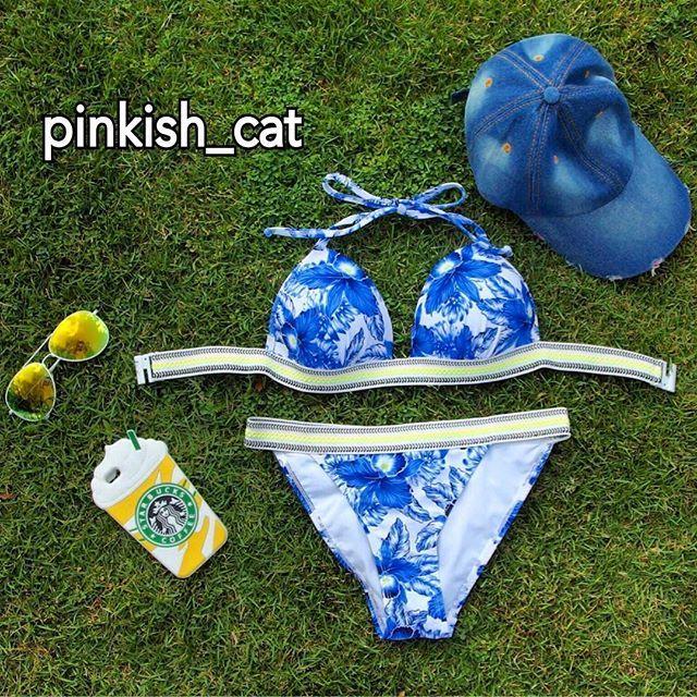 . 【⭐️WebShopにて発売中⭐️】. ※即発送OK商品. . . 今年の水着は、お決まりですか❓. . 爽やかなブルーのフラワープリントが可愛いです. . ネオンイエローのチロリアンテープ風のしっかりゴムがアクセント. . フラワープリントですが甘くなり過ぎず爽やか&スポーティーに着こなせます. . . . ビキニや夏に使えるアイテムもたくさん掲載しております Instagramのプロフィールからはいれます. ⇩⇩⇩⇩⇩⇩⇩⇩⇩⇩ . . . ✳︎✴︎web Select Shop ✳︎✴︎ ✳︎✴︎『Pinkish Cat』✴︎✳︎✴︎. . . . #スポーティー#花柄#フラワープリント#チロリアンテープ#サーフィン#ネオンカラー#サマーガウン#カラフル#水着#ビキニ #ビーチコーデ#ビーチ#海#夏服#夏服欲しい#フェスファッション#フェスコーデ#フェス#ハンドメイド#リゾート#リゾートコーデ#おしゃれ#おしゃれさんと繋がりたい#大人可愛い#大人可愛いファッション#バックパック#リュック#リュックサック 2016/06/28 07:14:12