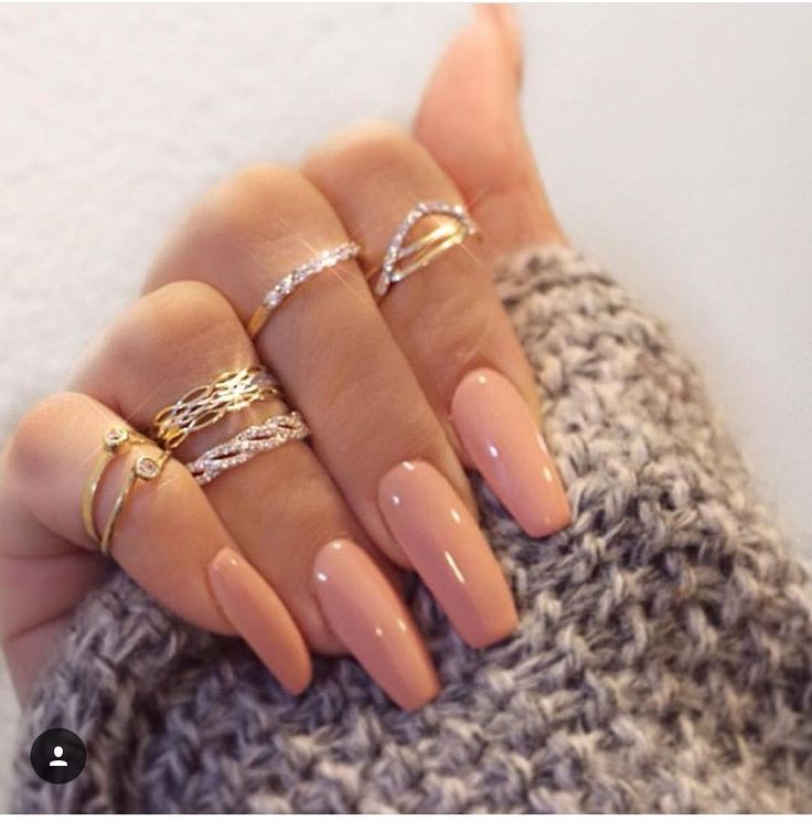 Best 25 tan nails ideas on pinterest acrylic nails nude when youve got all the accessories like rings and bracelets for the bling sometimes you need to tone it down its exactly whats happening in this prinsesfo Images