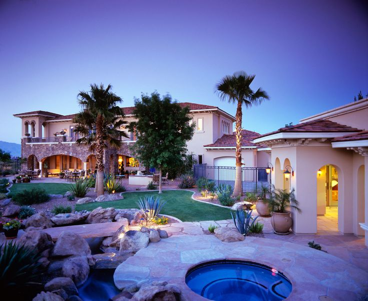 25 best images about beautiful houses on pinterest for Las vegas homes with basements