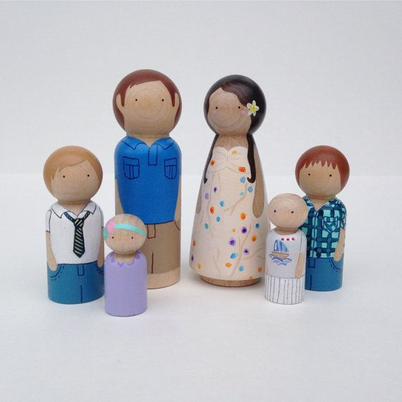 CUSTOM Peg Doll Family, 6pc set // Wooden Dolls // Doll House Family // Family Portrait