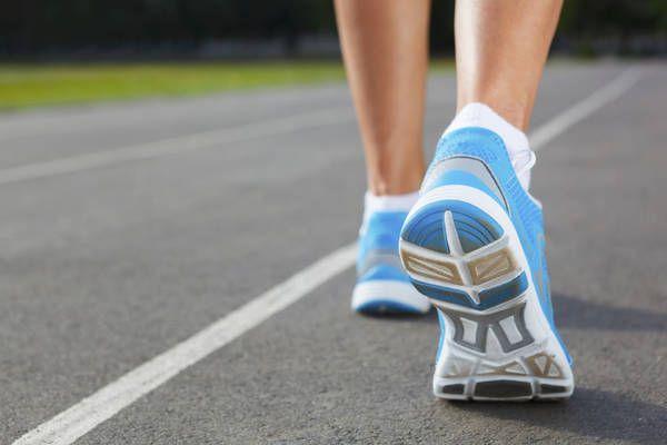 L'allenamento3+1moltiplicato 30, ovvero 3 minuti di riscaldamento e camminate ed 1 minuto di corsa, da ripetere per 30 minuti, secondol'American College of sports medicine daà risultati di gran lunga migliori del camminare a lungo  (ANSA)
