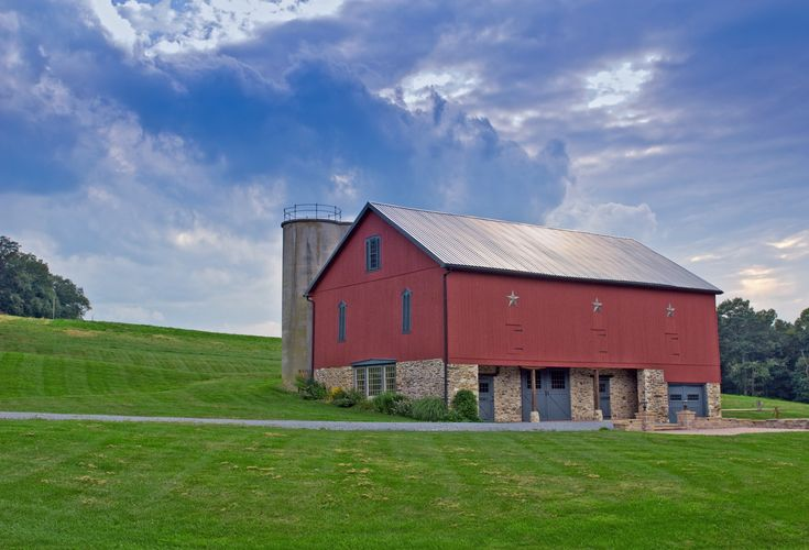 55 best images about barns on pinterest black barn for Country barn builders