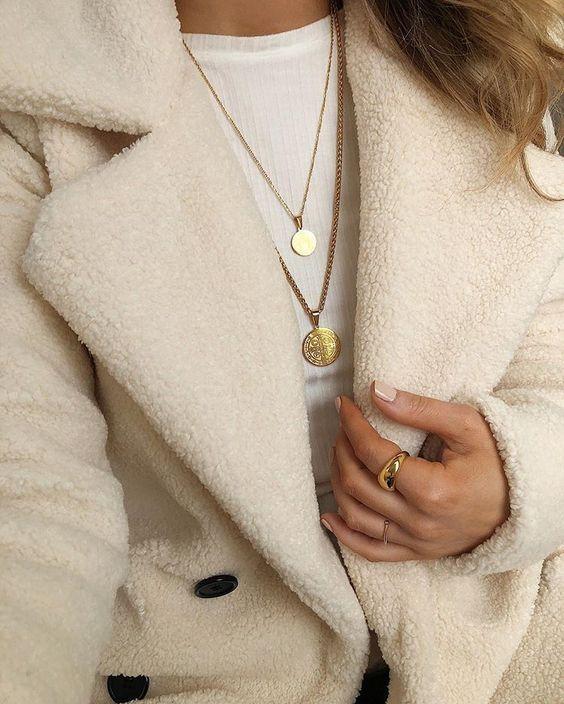 Elegante und stylische Halsketten?✨ Schau bei uns vorbei! Bei NYBB gibt es pre…