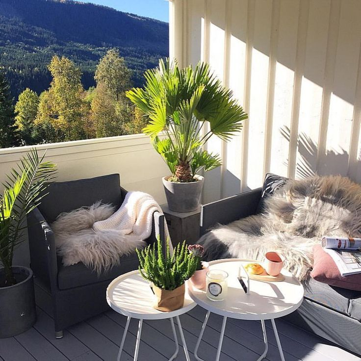 What a cosy corner at the terrace - Cane-line classic Diamond lounge and On-the-move side table - Repost from @tonemelbo #caneline #outdoorfurniture #outdoorliving #lounge #furniture #terrace #danishdesign