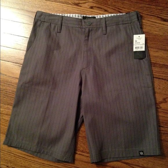 """Men's Hart and Huntington Shorts New with Tags. Size 32 men's dark gray with black pinstripe Shorts. Inseam measures 11.5"""" Shorts Bermudas"""