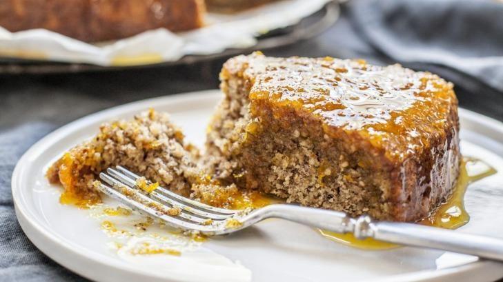 Hazelnut syrup cake.