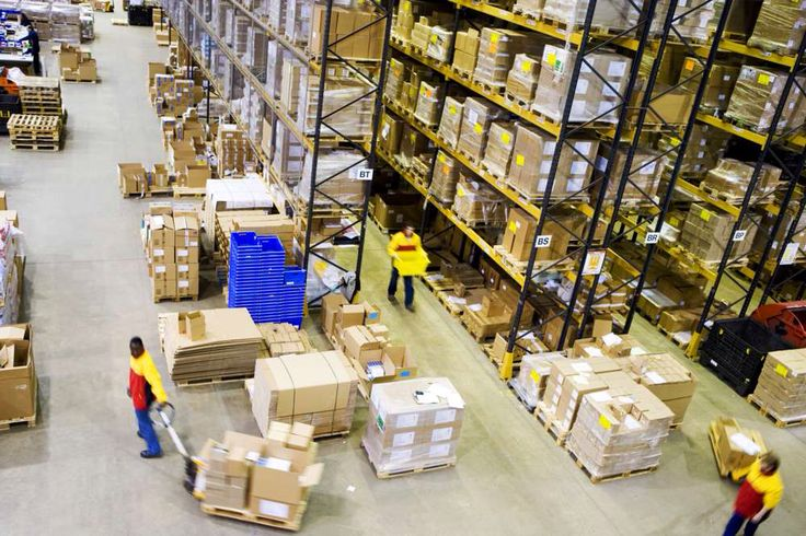 Imagem de http://www.dhl-healthcare.co.uk/wp-content/gallery/warehousing-gallery/bulk-break.jpg.