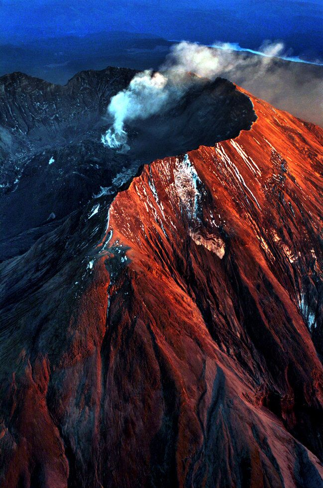 Volcanoes montserat mount saint helens essay