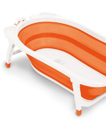 Portable Baby Tub. Collapsible for easy storage.