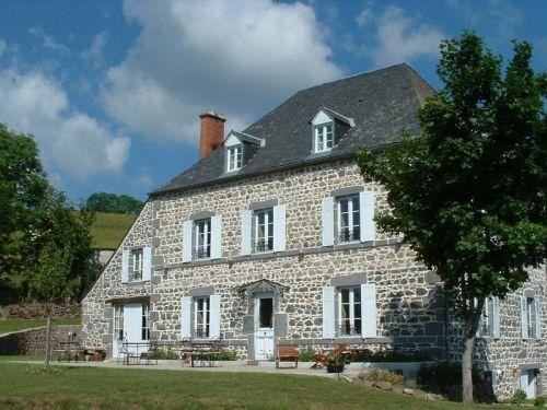 PUY DE DÔME - Chambre d'hôtes Puy de Dôme, dans le Parc des Volcans d'Auvergne #bnb #auvergne #tourism