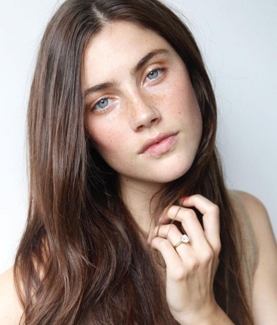 Anna Speckhart < freckles + pale blue eyes